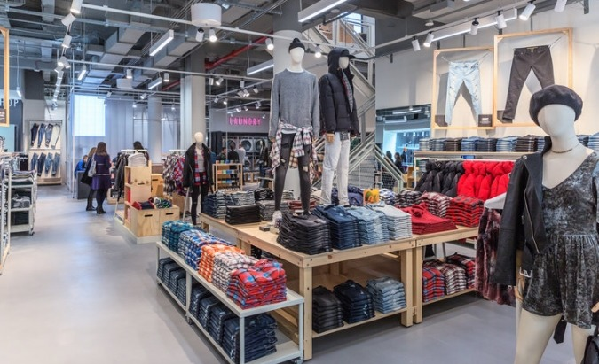 Retail innovations impacting Gen Z shopping trends.