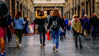 How to attract student shoppers through your doors? We're here to advise you on how best to offer a student discount.