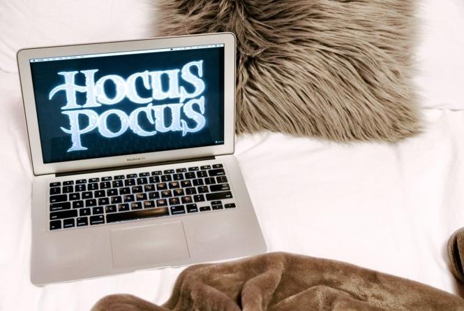 Hocus Pocus Halloween movie set up